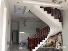 Bán nhà mặt tiền đường Bạch Vân, P5, Q5. DT: 4m1x21m trệt 2 lầu ngay Chợ Hòa Bình