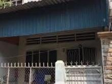 Nhà nát Hoàng Hữu Nam, tiện xây mới