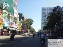 Bán nhà mặt tiền Hàm Nghi  . Vị trí  nhà nằm giữa đường Hùng Vương và Văn Cao . Hướng Đông . Nhà 5 tầng , 4 phòng ngủ diện tích đất 4,21x19,1