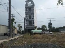 Nhận ngay lô đất bên cạnh sông Vàm Cỏ. MT đường Nguyễn Trung Trực, SHR, LH 0939196630