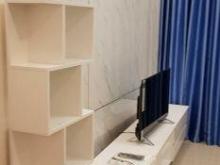Bán gấp căn hộ - 83m2, 2PN, 2WC đầy đủ nội thất chỉ 2,2 tỷ bao hết thuế phí.LH: 0906.991.656