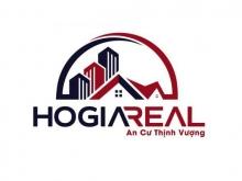 Cho thuê nhà hẻm 201 Nguyễn Xí, P26, Bình Thạnh.  Diện tích: 4x12m, nhà 1 trệt 2 lầu, 3 phòng ngủ, 3wc. Nhà mới, cho thuê hộ gia đình.  Hẻm rộng rãi, sạch đẹp.