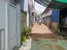 Nhà trục chính đầu hẻm 388, đường Nguyễn Văn Cừ nối dài vào 50m