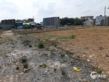 cần bán lo đất 4x11 giá 400tr ngay ủy ban vình lộc b xây dựng ngay