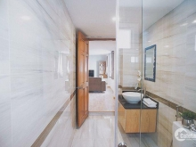 Cần tiền bán gáp căn nhà căn góc 2MT Trần Nhật Duật, q1. Dt: 5 X 16M, 1trệt, 3 lầu. hđ thuê 75tr/ tháng, giá 27,5 tỷ