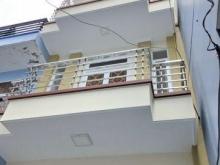 Bán gấp nhà 2 lầu mới đẹp hẻm 64 Nguyễn Khoái quận 4.