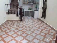 Mọi người nhanh tay mua căn Nhà ở Nguyễn khoái giá  rẻ Dt 22m2 x4T, mặt tiền 3,2 m giá có 1,5 tỷ