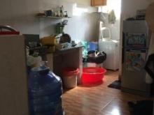 Bán nhà ngay sau chợ Bình Chánh, giá rẻ, 02 lầu, 02 phòng ngủ, 02 toilet, dtsd gần 70 m2, thoáng mát. Thuận tiện đi lại.