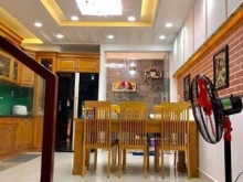 Mặt tiền kinh doanh Lê Thánh Tôn, phường Bến Thành, Quận 1, 125 tỷ.