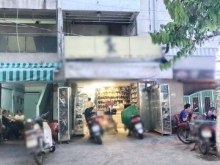 Bán gấp nhà 1 lầu vị trí đẹp mặt tiền Đoàn Văn Bơ quận 4 (nở hậu 6m).
