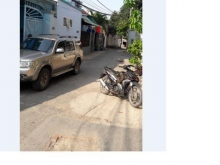 Can ban nha , 2 mat tien , 1 Tret , 1 Lung va 3 phong tro dang cho thue  ( DT 5M X 20,5 M) , 129/9 Duong 154 , Phuong Tan Phu , Q9 TP HCM ,