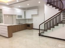 Bán nhà lô góc 50m2x5T khu phân lô Viện Quân Y 108 Vĩnh Tuy, MT 6m ô tô 7 chỗ vào nhà giá 5.85 tỷ