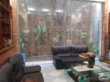 Biệt thự sân vườn, độc, lô góc Phố Ngọc Lâm DT 250m2, giá 14.8 tỷ.