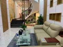 Nhà đẹp, 3 lầu, HXH, Lạc Long Quân, Tân Bình. 4.5 tỷ (TL).