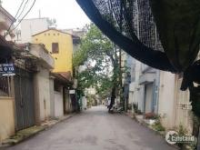 Đất thổ cư phường Bồ Đề, ngõ thông ô tô vào. Lh 0903440669