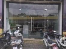 Cho thuê showroom mặt đường Lê Văn Lương