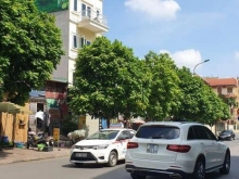Bán nhà mặt phố Trần Phú, Ba Đình 68m2, 3 tầng, MT 4.5m, LH: 0911150258