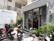 Ô Tô đậu cổng Nhà mới tinh 5 x11m, 4 lầu, 5pn. 5wc Dương Q Hàm, GV.  0901392122