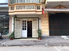 Cho thuê nhà mặt phố Hoàng Cầu 140m2