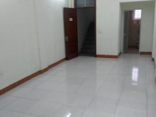 Cho thuê nhà 6 tầng tại Trần Quốc Hoàn 18triệu