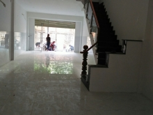 Cho thuê nhà nguyên căn thích hợp làm văn phòng, kinh doanh, giáp Phạm Văn Đồng