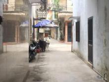 Bán nhà 4 tầng, gần phố Nguyễn Trãi, DT 42m2, ngõ 3m, giá 3.3 tỷ