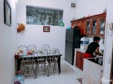 Bán nhà đẹp tặng nội thất tại phố Cát Linh, DT: 31m2 MT:4m giá 3 (tỷ)