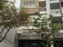 Cần bán nguyên căn nhà khu Hưng Gia 4, Phú Mỹ Hưng 5 lầu có thang máy