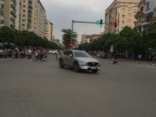 Bán nhà mặt phố Lạc Long Quân, lô góc, 90m2, 4 tầng, Lh 0982898884