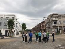 Tuyệt tác dãy Nhà phố  xây sẳn TT Trảng Bom, gần KDL Giang Điền 0908975982
