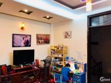 Bán nhà Dương Khuê DT 40m2 oto đỗ cửa khu dân trí cao giá 3.9 tỷ