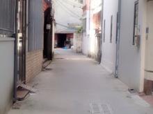 Bán Nhà xây mới Phố Nguyễn Văn Cừ. Diện tích 42m2x5T. Oto đỗ cửa