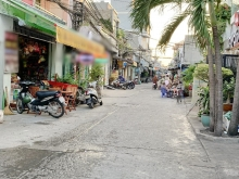 Bán nhà 1 lầu mặt tiền hẻm xe hơi 95 đường Lê Văn Lương Quận 7