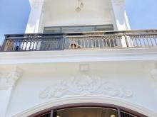 Bán biệt thự Châu Âu căn góc tuyệt đẹp hẻm 4m Huỳnh Tấn Phát quận 7.