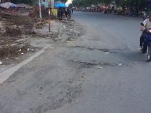 đất mặt tiền đường DT826 gần chợ gần KCN trung tâm hành chính thị trấn xã