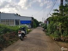 Gia đình tối bán lô đất cho cháu đi học nằm ngay  trung tâm xã Bàu Cạn