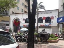Cho thuê nhà hàng phố Hoàng Đạo Thúy, dt: 450m2, 140tr/tháng.