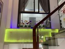 Cho thuê khách sạn 3 sao 12 tầng 52 phòng MT đường Võ Nguyên Giáp, giá: 350 triệ