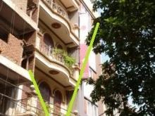 Cho thuê nhà phố Nguyễn Đình Hoàn làm VPCT, TTĐT, spa,.. 5,5 tầng 22m2