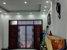 Bán nhà VIP phố Hoàng Hoa Thám 47m²x5 tầng, giá đẹp: 4,2 tỷ!