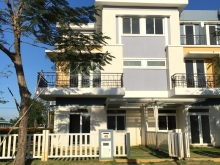 chính chủ bán nhà phố Rosita Khang Điền 6x18m, nội thất cơ bản, view hồ bơi.