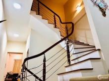 Chính chủ bán gấp nhà 2 mặt thoáng OTO ĐỖ CỬA phố Hoa Bằng 43m xây 5 tầng, MT4.3