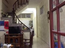 Bán nhà riêng khu vực ngõ 95, phố Việt Hưng