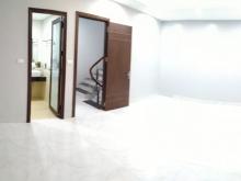 Cần bán gấp 2 căn nhà mới xây ở Quận Tây Hồ, Hà Nội giá 2 tỷ 940. LH: 0962392266