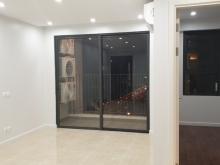 Chính chủ thuê căn hộ chung cư cao cấp C2 Vinhome D'Capital, giá chỉ 15tr/th