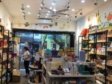 Cho thuê nhà mặt phố Nguyễn Bỉnh Khiêm. DT 30m2,MT 3m