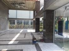 Cho thuê tòa nhà văn phòng 2700m2 giá 8$ phố Trần Hữu Dực.