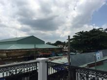 Nhà đối diện chợ Long Phước 225m2 đất, giá 15.3 tỷ