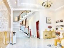 Bán biệt thự Châu Âu sân vườn 1 lầu hẻm 458 Huỳnh Tấn Phát Quận 7