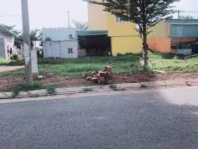 Cấn bán đất Tỉnh Lộ 10, gần chợ Bà Hom mới
